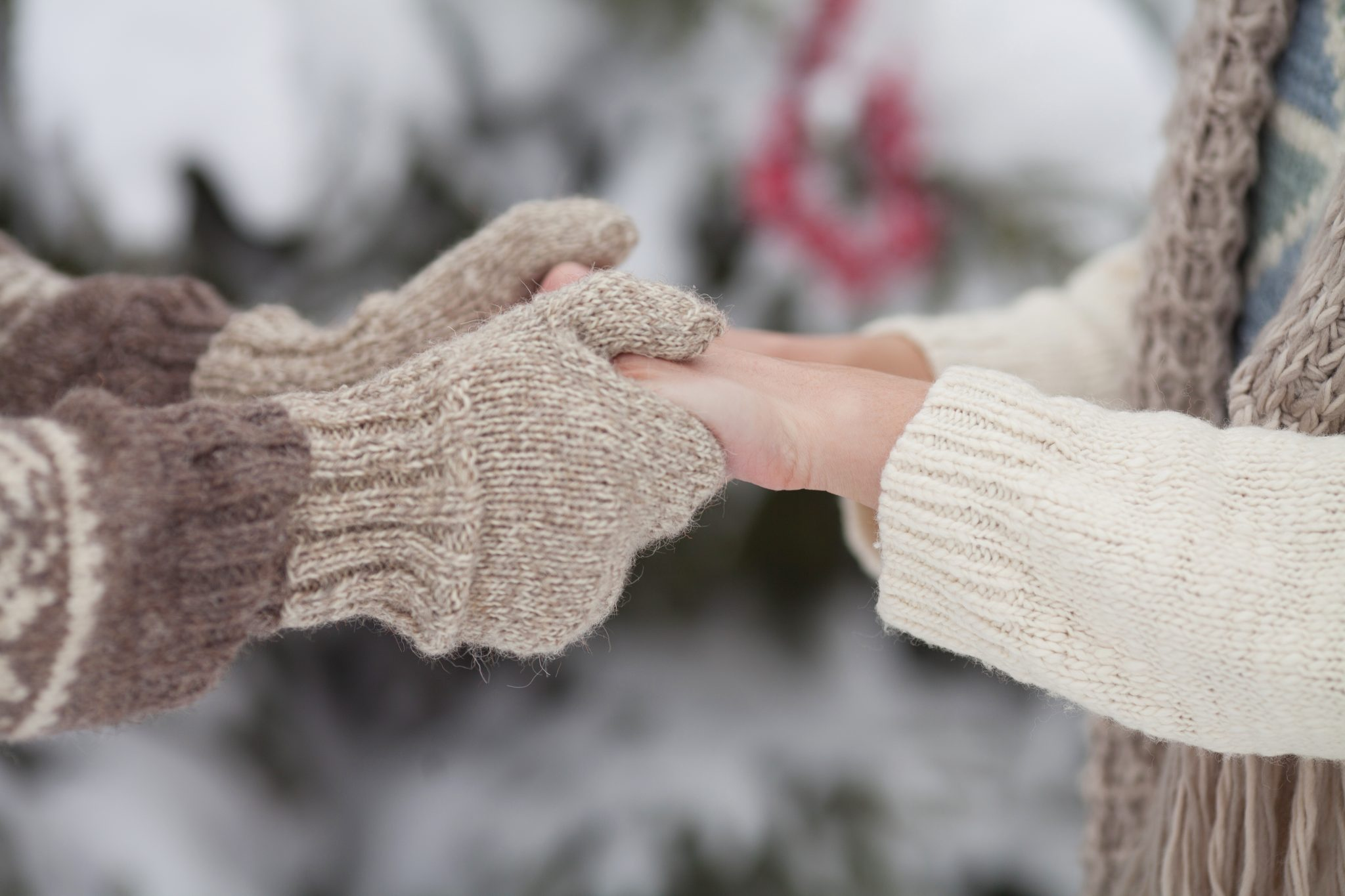 Why Winter is The Perfect Season For a Holiday Romance
